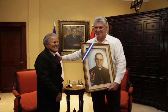 Presidente salvadoreño Sánchez Cerén recibió a Díaz-Canel