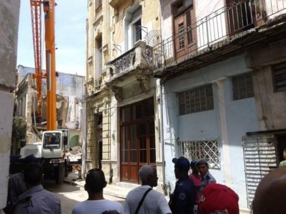 Derrumbe de un edificio de dos plantas, con saldo de 4 fallecidos, producido en la calle Habana, entre Obispo y Obra Pía, en La Habana Vieja, en Cuba, el 15 de julio del 2015