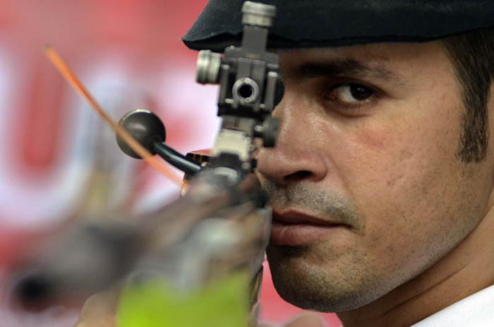 Bronce para cubano Estupiñán en rifle de tres posiciones a 50 metros