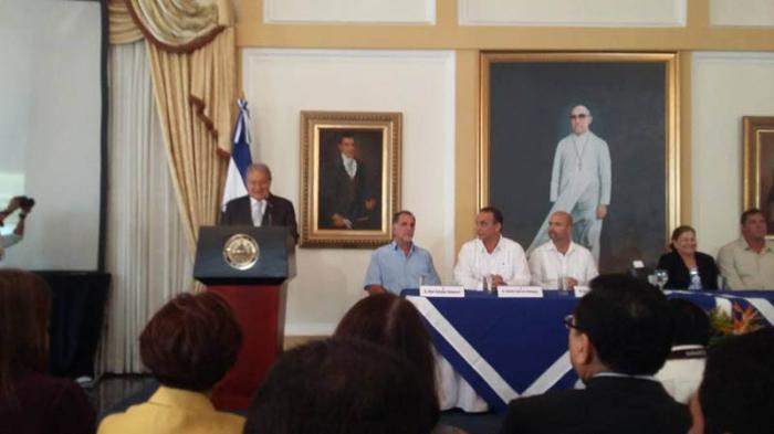Presidente de El Salvador sostiene encuentro con Los Cinco antiterroristas cubanos