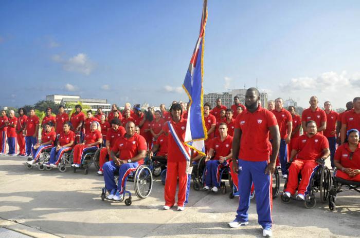 Abanderan a deportistas cubanos que van a Parapanamericanos de Toronto