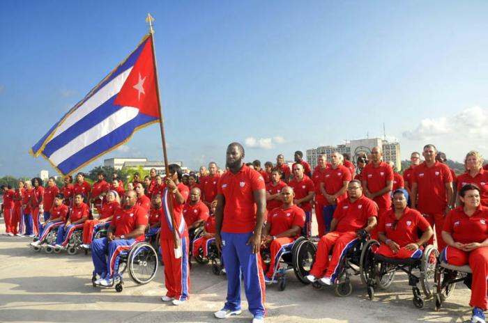 Acto de Abanderamiento a la delegación cubana que participará en los V Juegos Parapanamericanos, Toronto 2015, el cual fue presidido por el Presidente del INDER Antonio Beccali y otros dirigentes del organismo.Delegación participante.