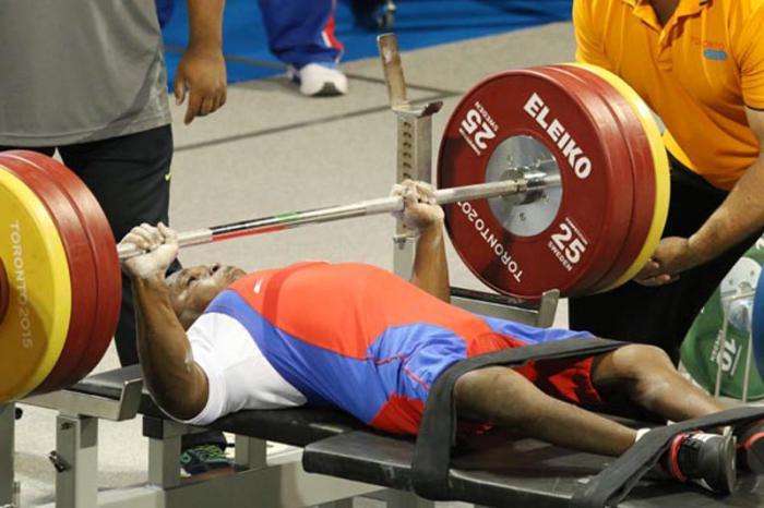 Danilo Rodríguez levantó 166 kg y conquistó el oro.