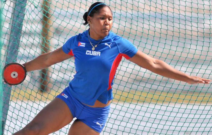 Atletismo Copa Cuba  Denia Caballero oro en Disco