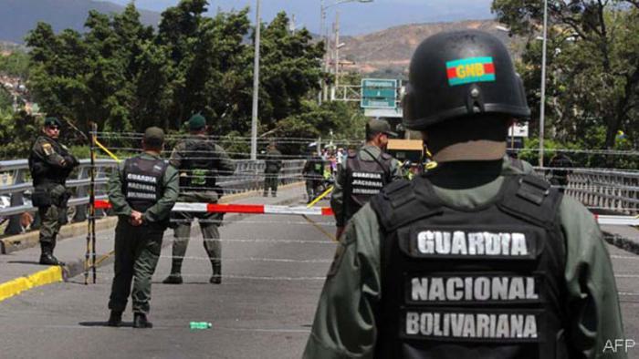 Venezuela mantiene controles en frontera con Colombia