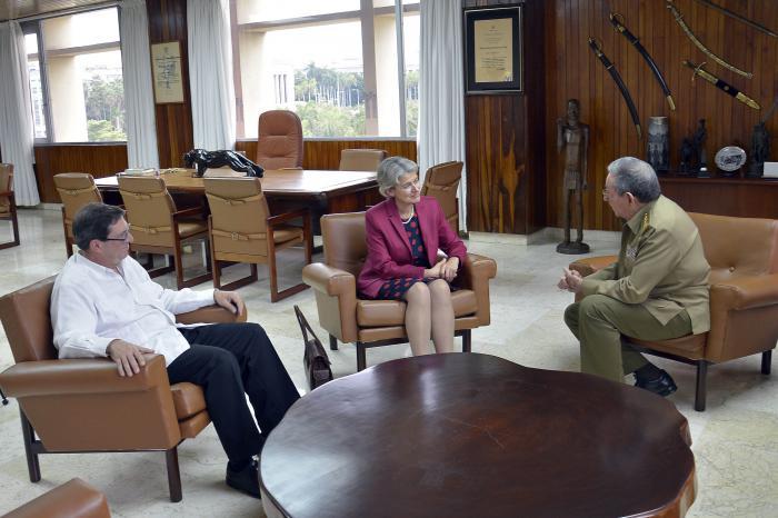 Recibió el Jefe de Estado cubano a Directora General de la UNESCO