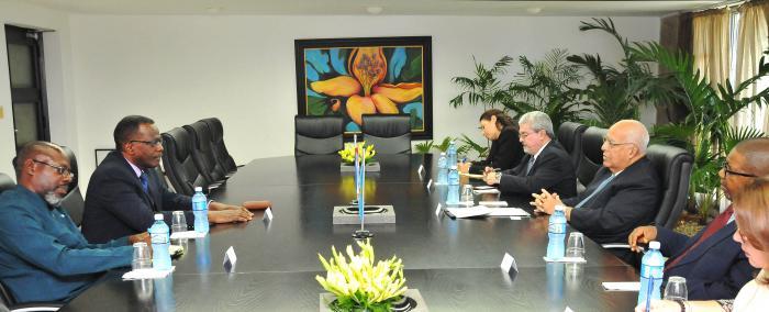 Recibió Ricardo Cabrisas a Viceprimer ministro de Santa Lucía