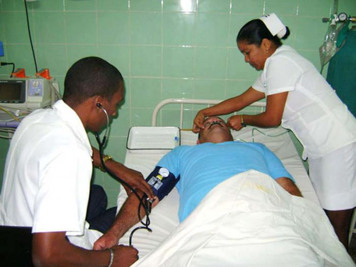 Médicos cubanos han realizado millones de consultas en Guatemala