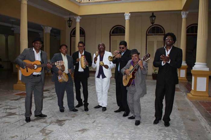El Septeto Santiaguero, con su disco No quiero llanto Tributo a Los Compadres, es nominado a los Grammys Latinos en la categoría Mejor Álbum Tropical Tradicional.