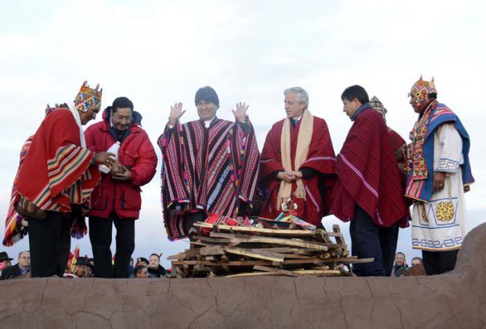 Resalta Evo Morales apoyo de Fidel Castro y Hugo Chávez