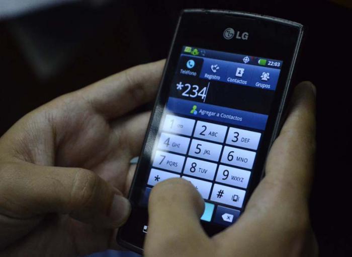 Entrarán en vigor nuevas disposiciones para uso de celulares en Cuba