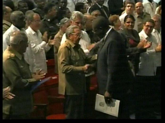 Presidió Raúl Castro en La Habana acto por aniversario de independencia angolana