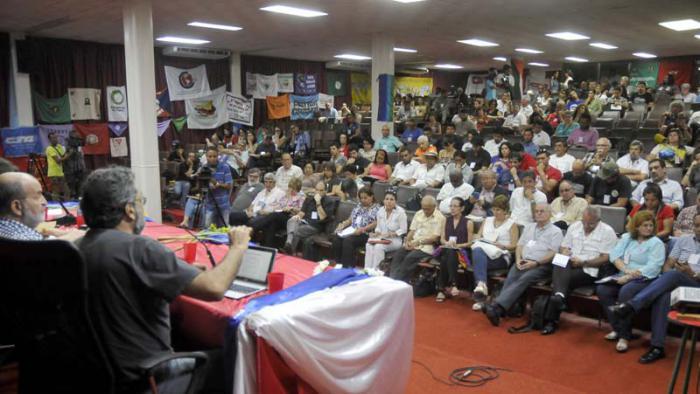 Encuentro Hemisférico sobre la Derrota del ALCA 10 año después, efectuado en el Centro de Convenciones de Cojimar. Fue presidido en la Jornada inicial por  el Miembro del Comité Central y Jefe del Departamento de Relaciones Internacionales del Comité Central del PCC José Ramón Balaguer Cabrera. Intervención de Gustavo Codas.