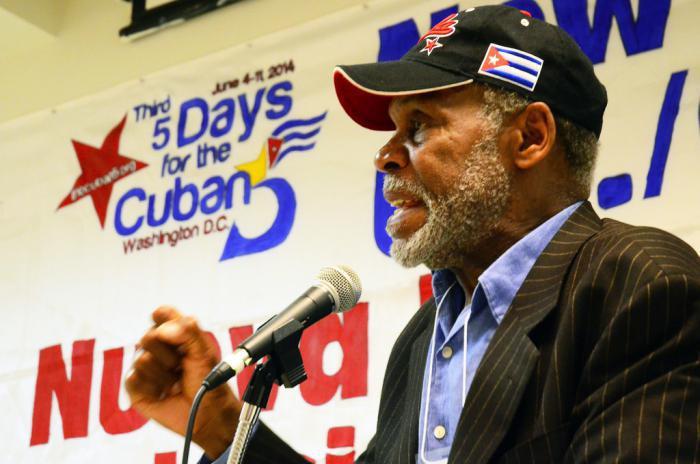 Nueva visita de Danny Glover a Cuba