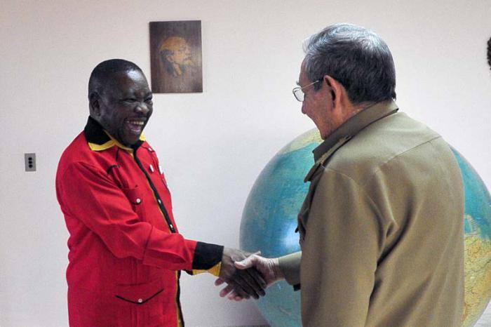 Recibió Raúl Castro en La Habana al Secretario General del Partido Comunista de Sudáfrica
