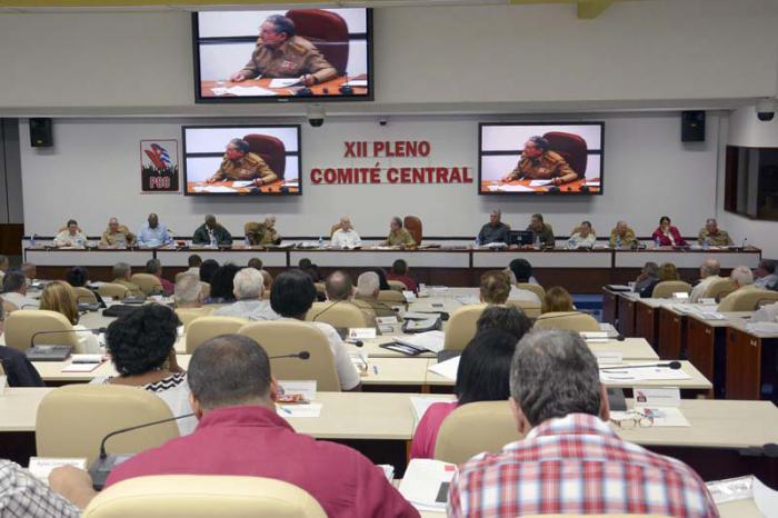 Sesionó XII Pleno del Comité Central del Partido