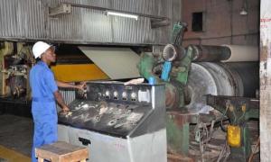 Diputados analizan resultados y desafíos de la industria en Cuba
