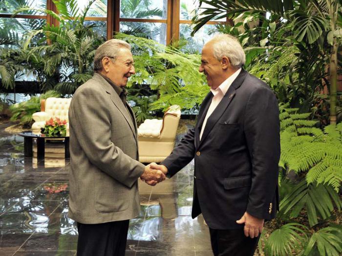 El General de Ejército Raúl Castro Ruz, Presidente de los Consejos de Estado y de Ministros, recibió a Ernesto Samper Pizano, Secretario General de la Unión de Naciones Suramericanas (UNASUR)