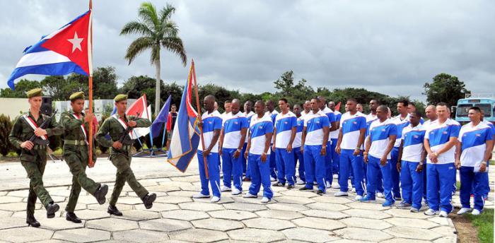 Abanderan equipo de ciego de avila q participara en la serie del caribe RD 2016 Antonio Becali , Jose Adolis Garcia