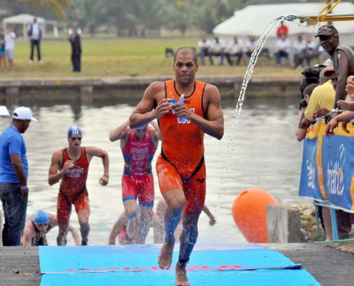 Michel González está urgido de culminar entre los cinco primeros del certamen.