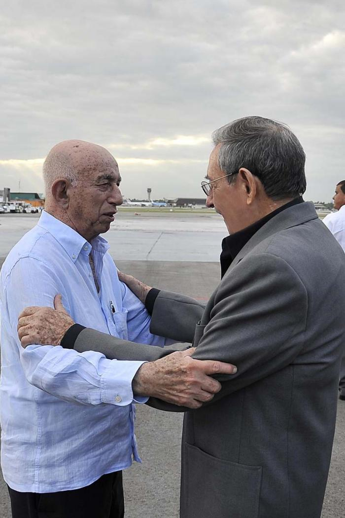 Raul Back in Cuba from France