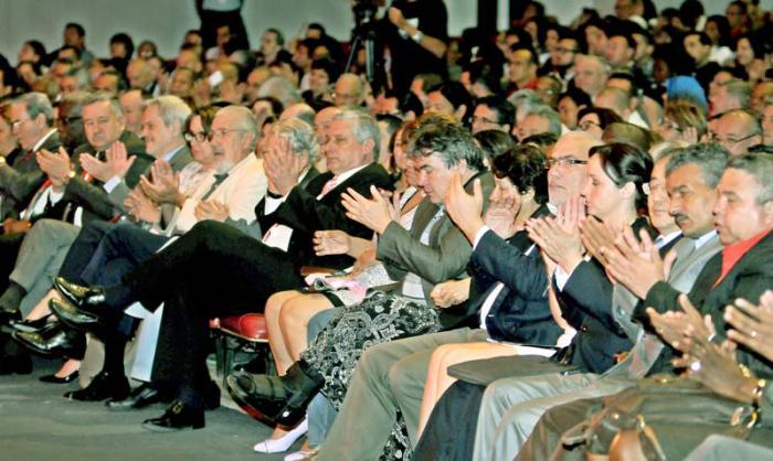 Inaugurado el Congreso Universidad 2016 en el Teatro Karl Marx, presidie el acto Miguel Dìaz Canel bermudez 1er VicePresidente de los Consejos de Estado y de Ministros
