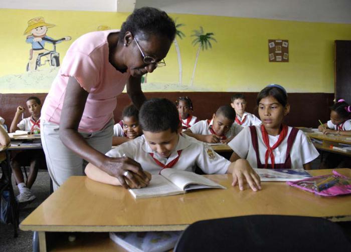 Derechos adquiridos en Cuba durante el proceso revolucionario, como el acceso universal a la educación, son reconocidos en el mundo.