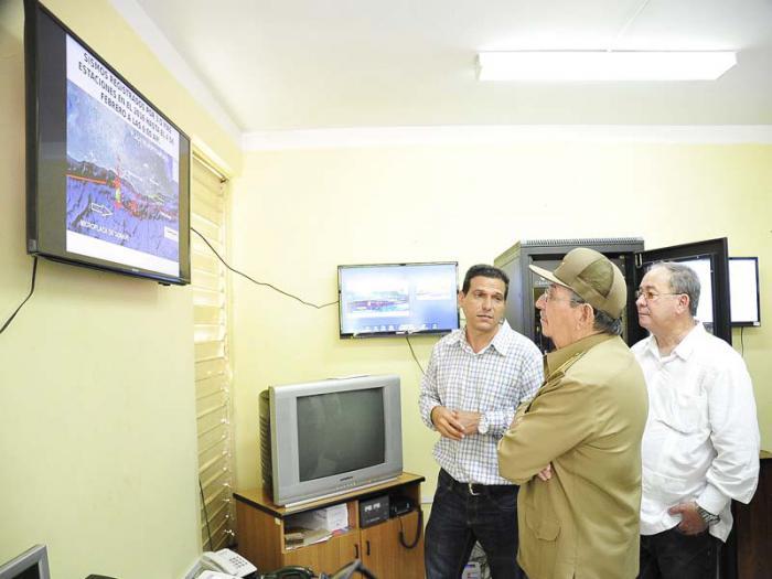 Visitó Raúl el Centro Nacional de Investigaciones Sismológicas