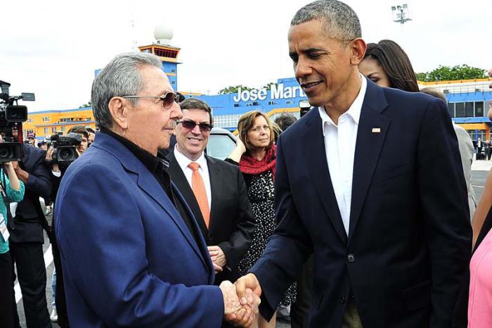 Despide Raúl al presidente Barack Obama
