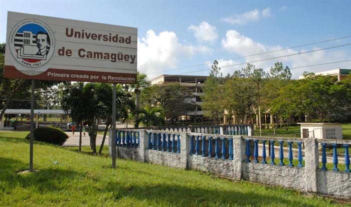 Más de 84 mil nuevas plazas en Cuba para estudios superiores
