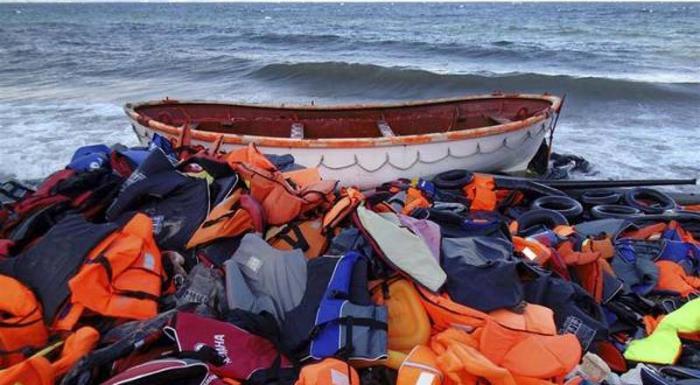 En 2015 cerca de 4 000 migrantes murieron en un intento por cruzar el Mediterráneo para llegar a Europa.