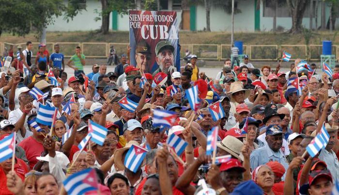 Los actos, desfiles y marchas por el Primero de Mayo se realizarán en ciudades, plazas, poblados y bateyes de todo el país. Foto: José M. Correa