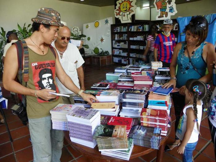 Homenaje a Editorial Oriente en Feria del Libro 2016 en Santiago