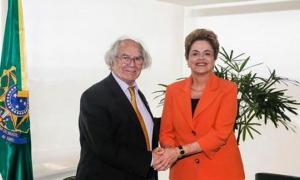 El Premio Nobel de la Paz, Adolfo Pérez Esquivel, expresó su apoyo a la presidenta de Brasil, Dilma Rousseff.