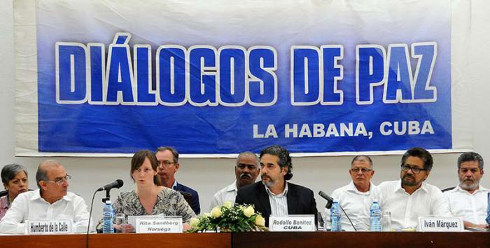 Gobierno y guerrilla aseguran jurídicamente futuro acuerdo de paz en Colombia