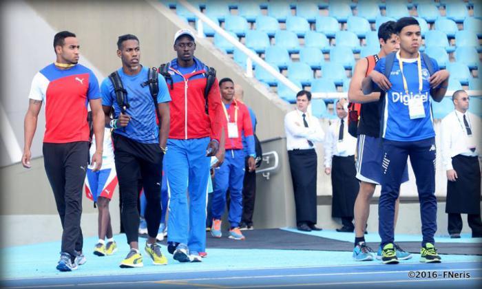 Cubanos en plan de conocer la pista de competencias