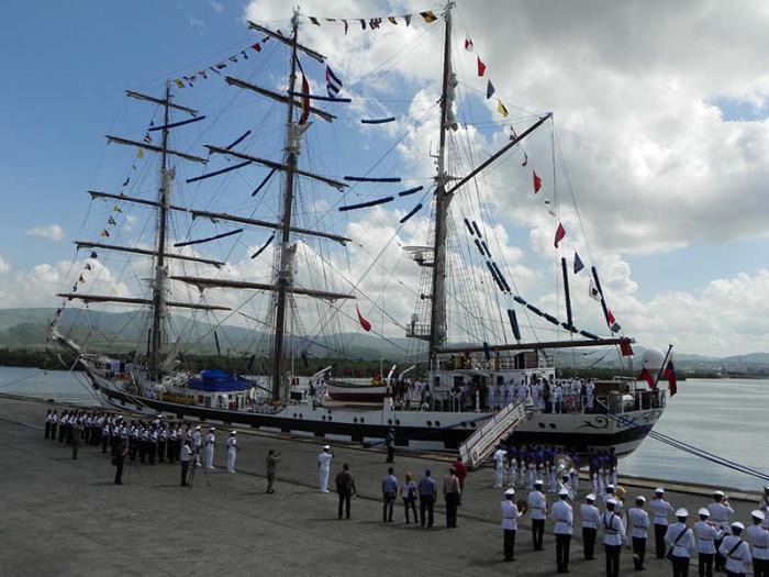 Buque escuela de armada venezolana visita Santiago de Cuba