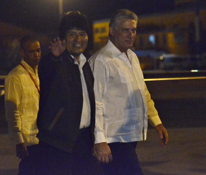 Evo Morales, presidente de Bolivia, arriba a Cuba