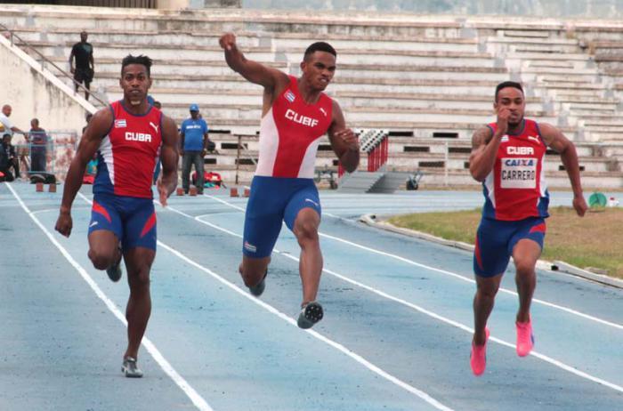 Velocista camagüeyano Roberto Skyers se suma a delegación cubana a Mundial de Atletismo