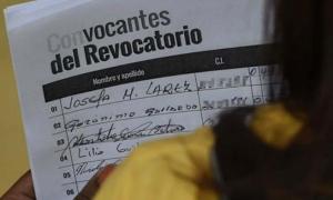 La oposición venezolana reunió 2,5 millones de firmas, 1,85 millones de las cuales envió al CNE.