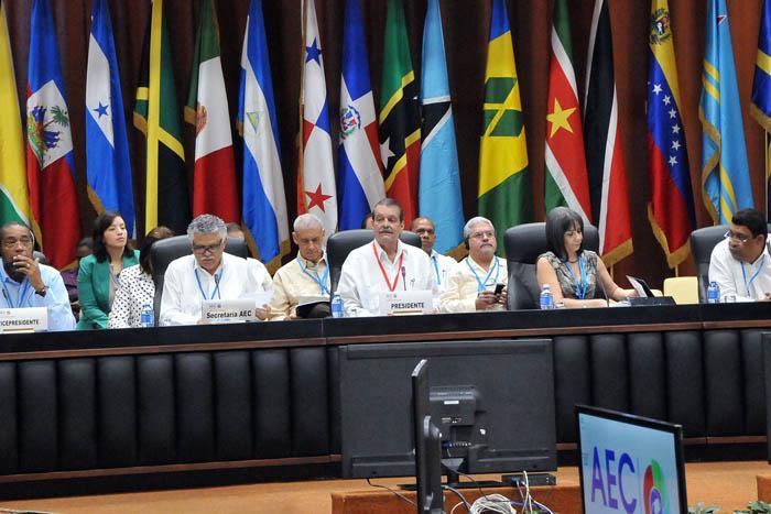 Vicecanciller cubano inaugura VII Cumbre de la AEC en La Habana