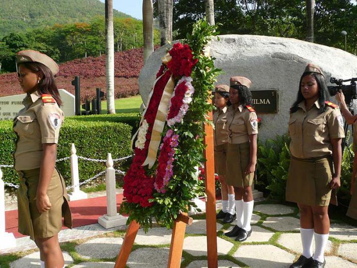 Como es tradicional, el homenaje a Vilma tendrá lugar ante la roca monumento que atesora sus cenizas.