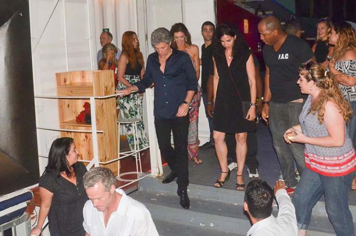 Jon Bon Jovi en la Fábrica de Arte Cubano (FAC).
