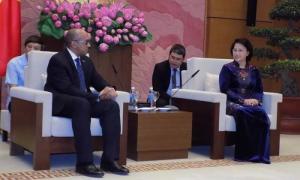 La presidenta de la Asamblea Nacional de Vietnam, Nguyen Thi Kim Ngan y el embajador cubano Herminio López, expresaron la disposición de trabajar en los temas de interés común.