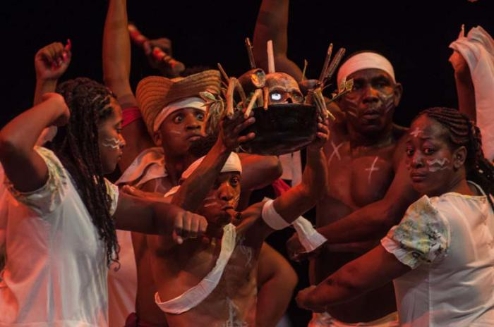 Inauguración del 37 Festival del Caribe o Fiesta del Fuego de Santiago de Cuba, en el Teatro Heredia.