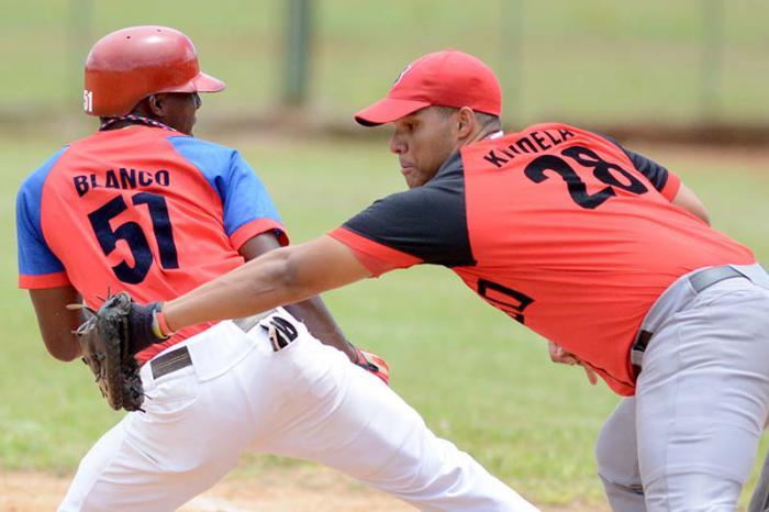 Santiago de Cuba a un triunfo del título en el béisbol sub-23