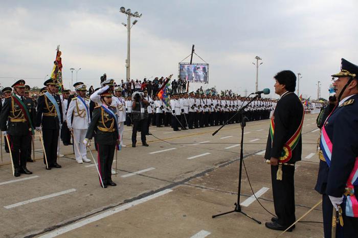 Reconoce Evo Morales papel de las Fuerzas Armadas de Bolivia