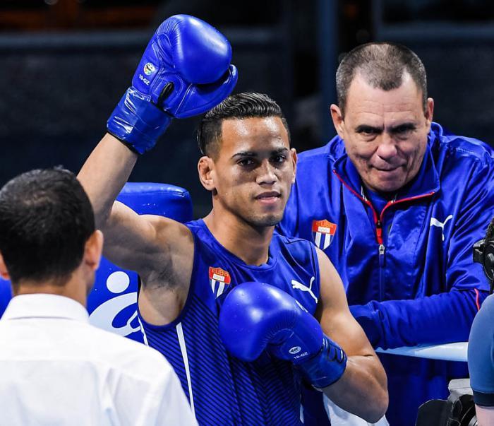 Boxeadores cubanos Robeisy y Arlen buscan medalla de oro