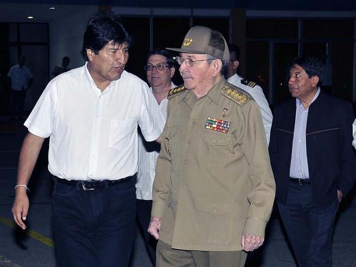 Raul Castro sees off Evo Morale