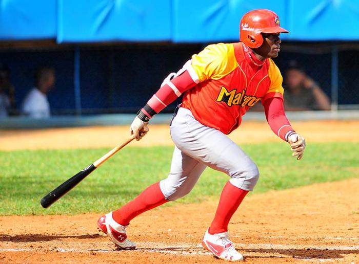 Beisbol-Serie 55 MTZ vs IND Ariel Sanchez